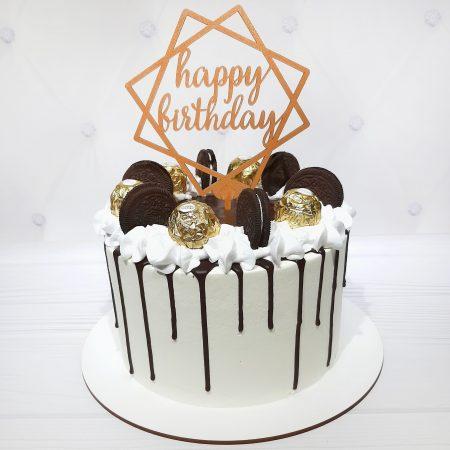 Торт для мамы украшенный конфетами