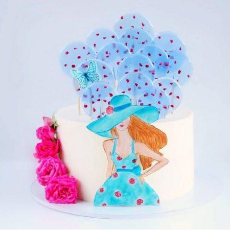 Торт любимой с вафельной картинкой и цветами из мастики