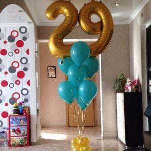 Цифра 29 из воздушных шаров
