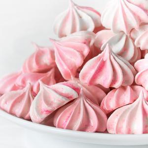 Розовое безе