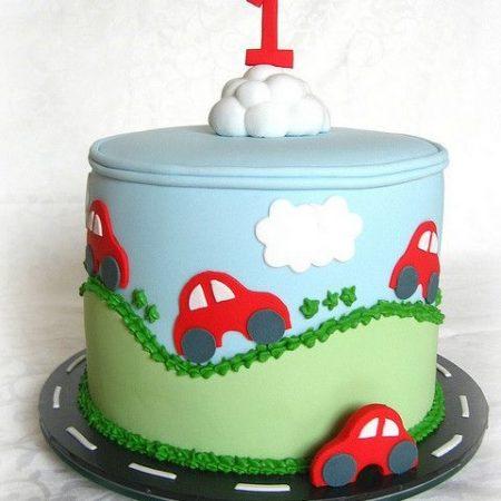 Торт на годик с машинкой