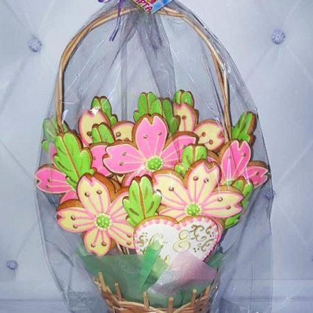 Ароматная корзина цветов из имбирных пряников
