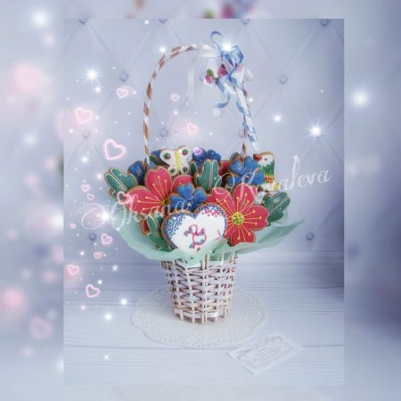 Пряничный букет с красно-синими цветами