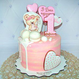 Торт на годик для девочке с мишкой