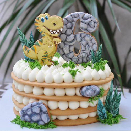 Торт кремовый с динозаврам с цифрой 6