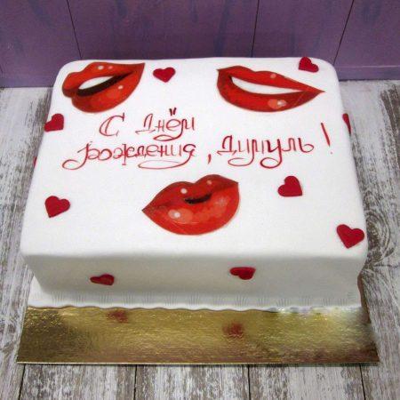Торт с губами