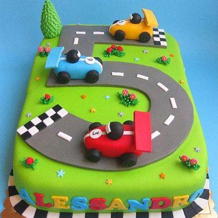 Торт гонки с машинками для мальчика