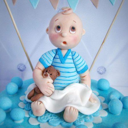 Фигурка из мастики для маленького мальчика