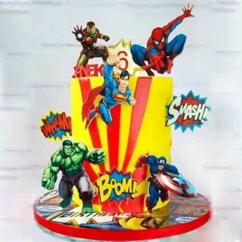 Торт марвел с супер героями и топперами