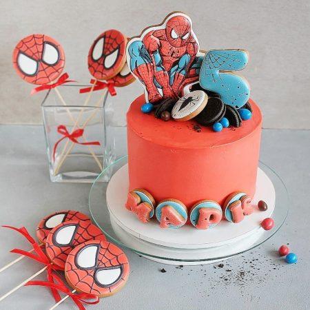 Торт с человеком пауком