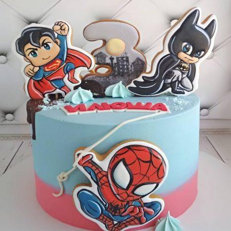 Торт Marvel на три года с топперами