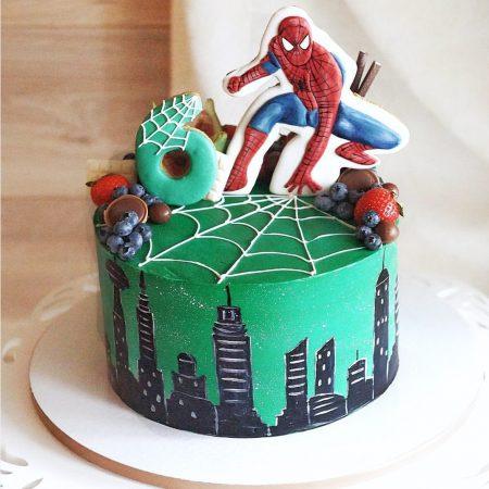 Торт с человеком пауком из мастики