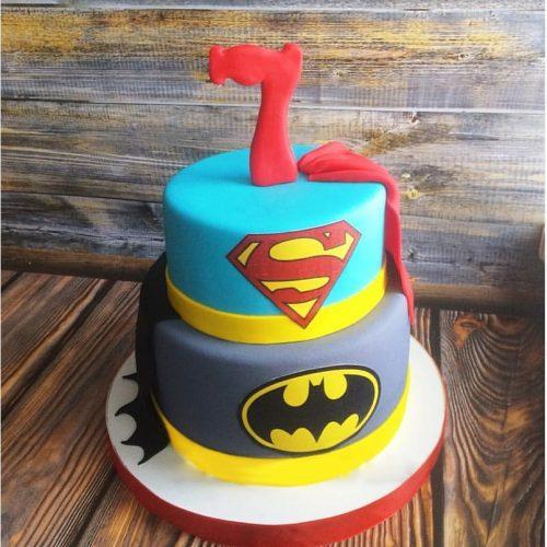 Двух ярусный торт Бэтмен + Супермен