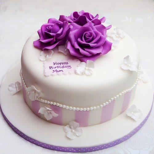 Торт с большими квітами фиолетового цвета