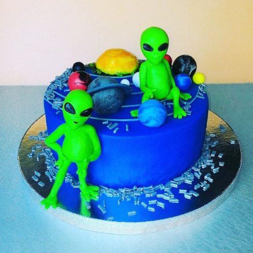 Торт космос с инопланетянами