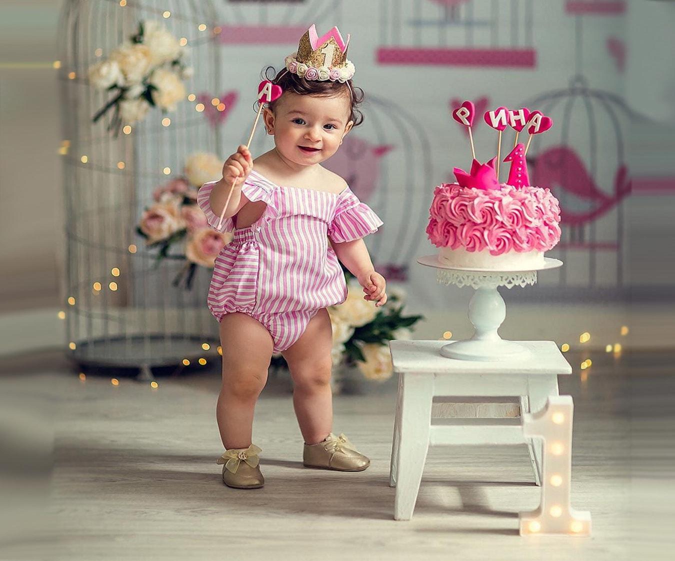 Девочка с волшебной палочкой и торты на заказ