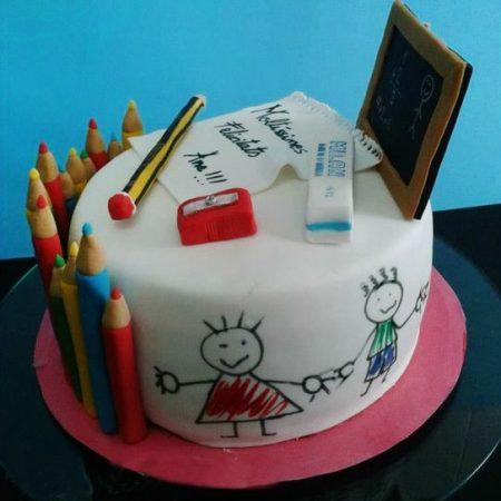 Оригинальный торт на выпускной