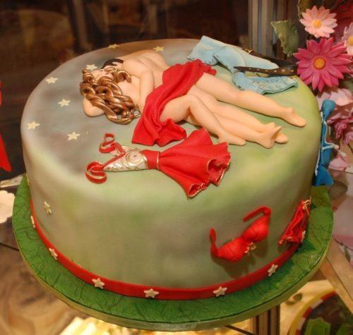 Торт кровать для влюбленных