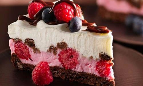 Нарезать торт правильно — не так уж и легко!