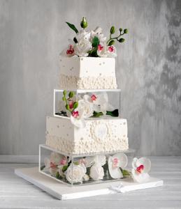 Необычный свадебный торт фото