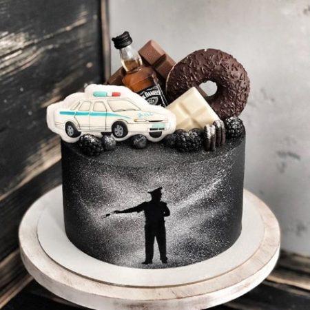 Торт с полицейской машиной