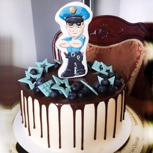 Торт с полицейским