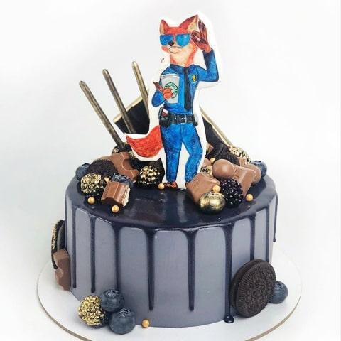 Торт девушке полицейскому