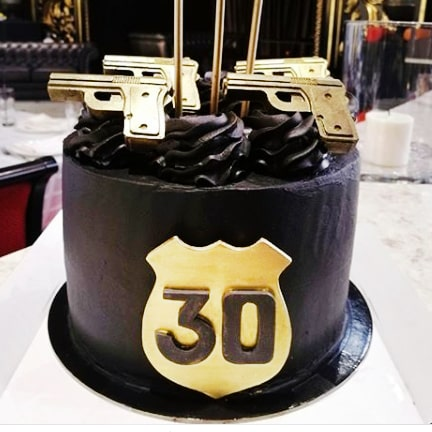 Торт для полицейского с пистолетом