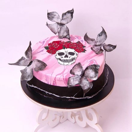 Торт с черепами для девочки