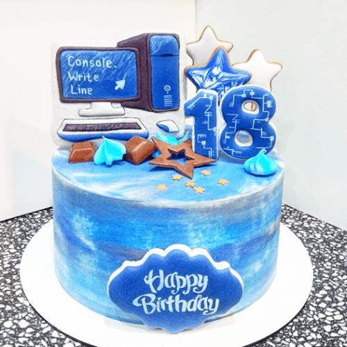 Торт с компьютером кремовый