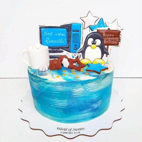 Торт с компьютерным монитором