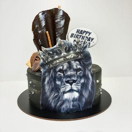 Торт со львом и короной