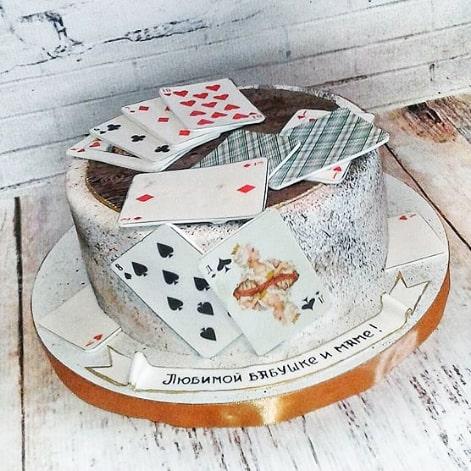 Торт с картами таро