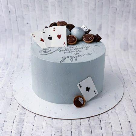 Торт с игральными картами