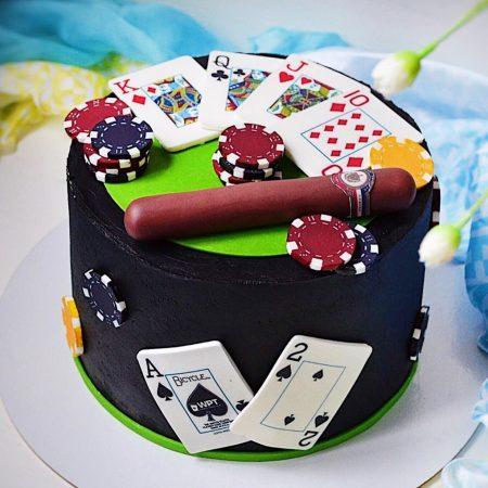 Торт с покером