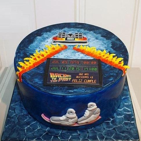 Назад в будущее торт
