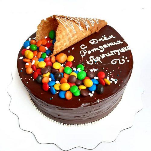 Торт с ммдемс
